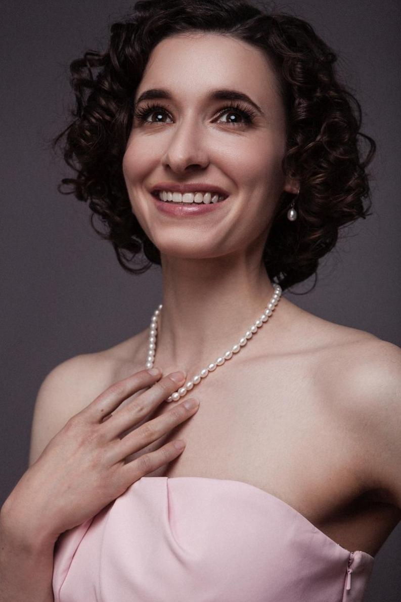Sarah Labiner, Soprano. Photo by Tré & Elmaz